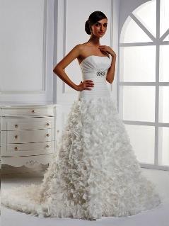 Пышные свадебные платья с рукавами.